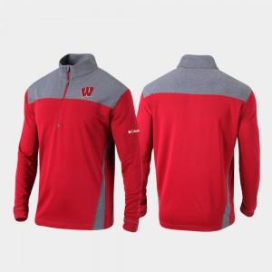 Men University of Wisconsin Quarter-Zip Pullover College Jacket Omni-Wick Standard Red